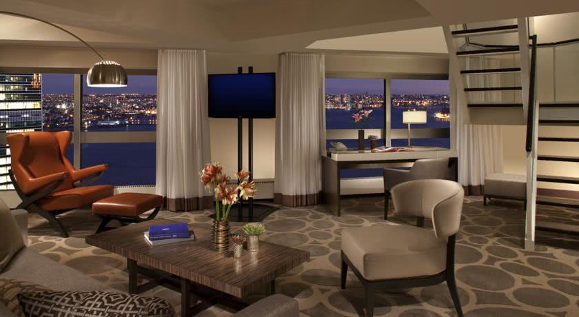 The WestTower at ONE UN Plaza - Millennium Hotels and Resorts ( Foto: Divulgação)